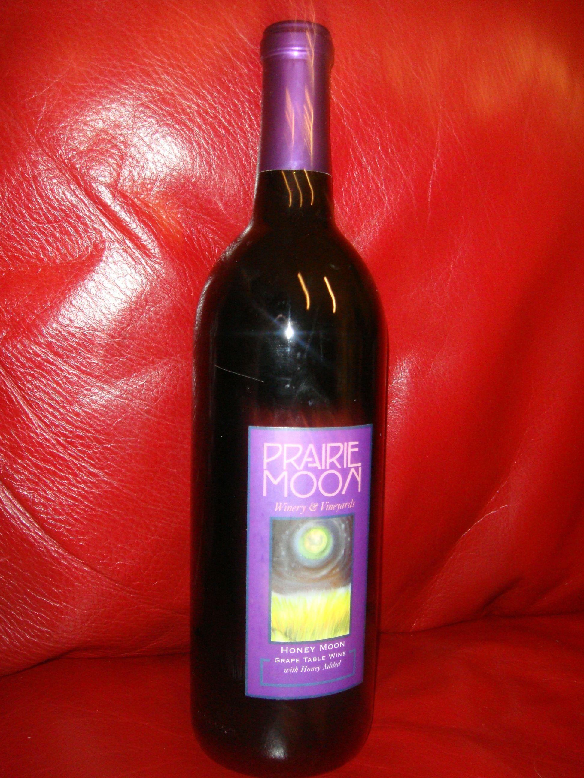 Honey Moon Grape Table Wine With Honey Added By Prairie Moon Winery Vineyards Wine Bottle Wine Distillery