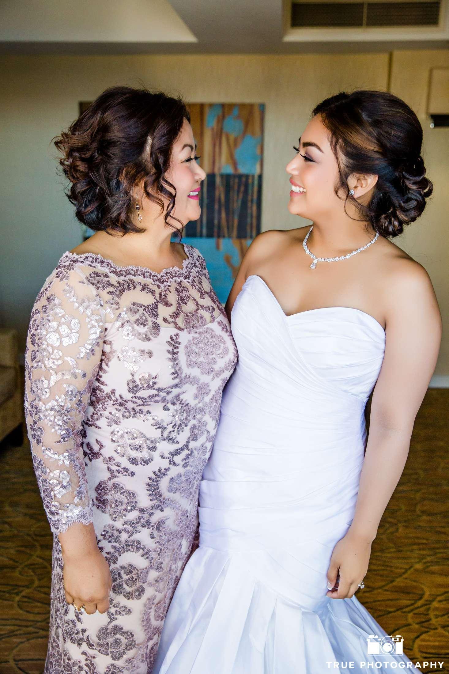 Aileen Jerrys San Diego Marina Wedding Dress Lea Ann Belter