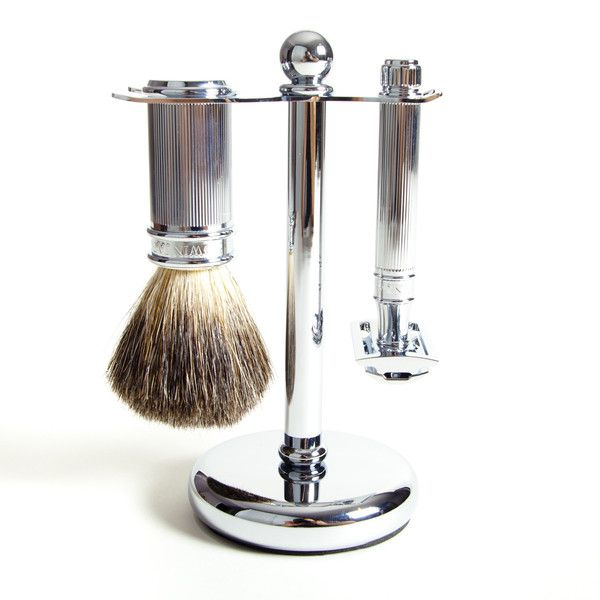 This three piece chrome plated shaving set from Edwin Jagger comes with a double edge razor, shaving brush and stand Double Edge Razor: Double Edge (DE) Safety Razor is from their signature DE89 line - a three part design with a chrome plated non-slip handle and slightly longer for added control. Shave Brush: The Edwin Jagger pure badger shave brush is bundled in a tight knot and provides nice backbone for building a lather with any soap or cream. Stand: Helps dry the brush and razor.