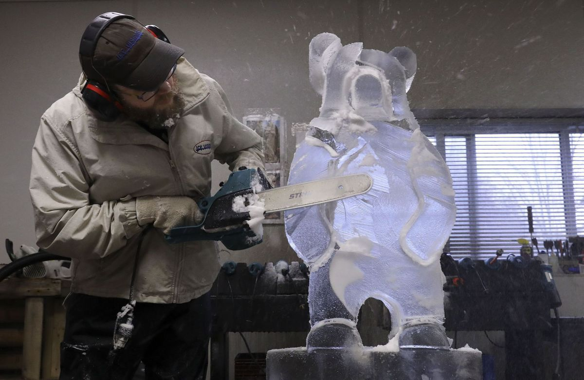 Turning 300 Pound Blocks Of Ice Into Art 26 Year Kirkwood Business Cranks Up For Ice Carnival Art Carnival Fictional Characters