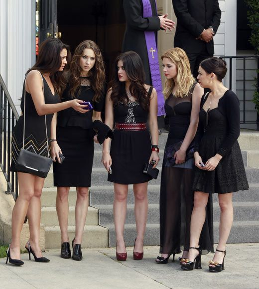 Pretty Little Liars Season Premiere First Photos Little Liars