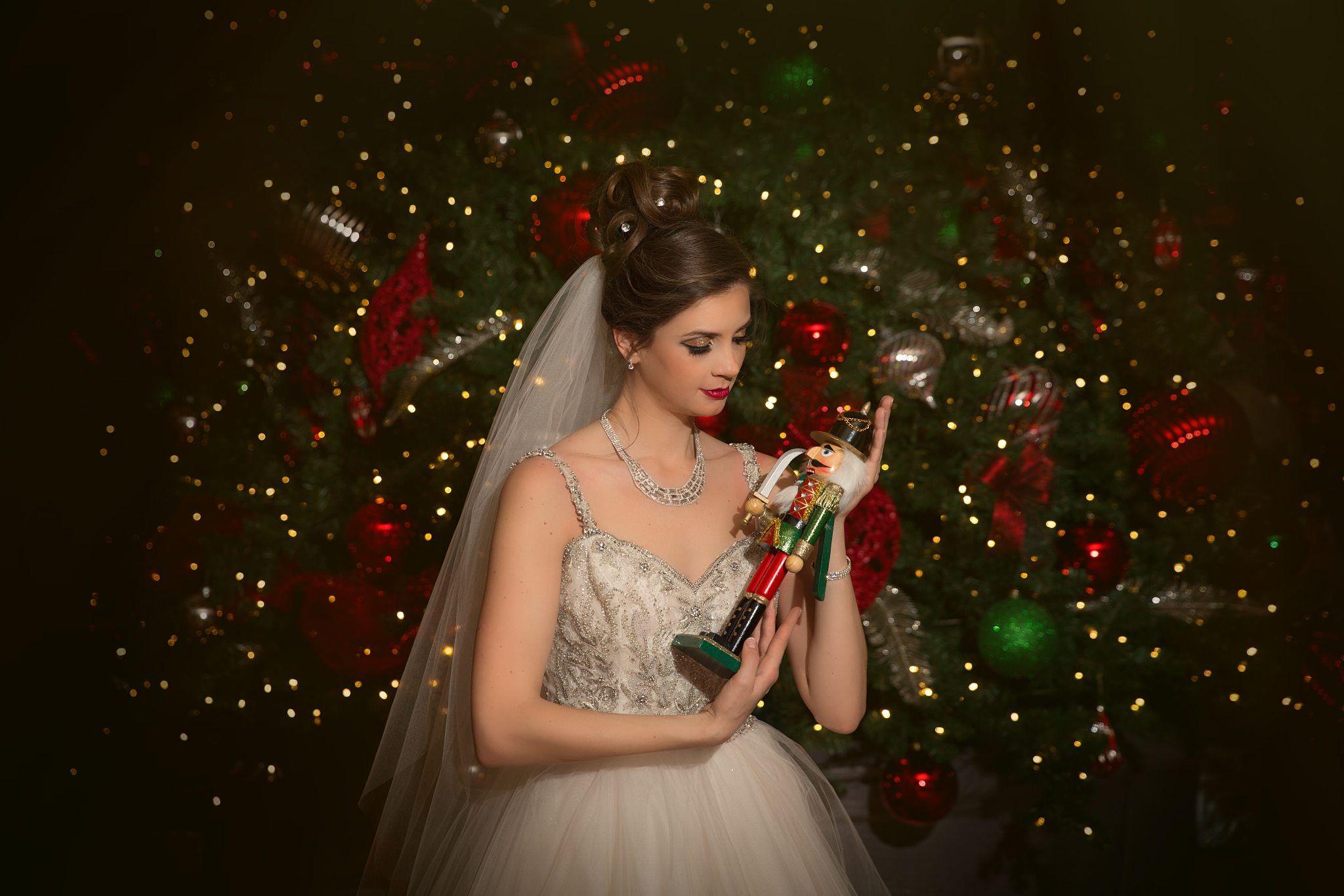 A Gorgeous Nutcracker-Themed Wedding