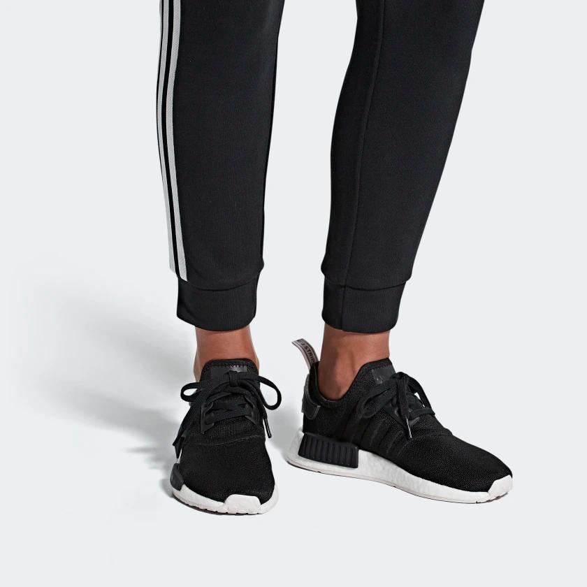 adidas nmd r1 womens black and white