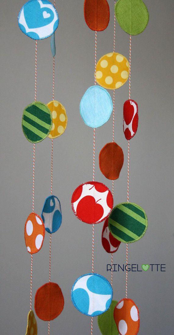 Mobile Bunte Punkte   Baby Kind Mobile  Kinderzimmer Dekoration   Windspiel    Confetti   Dot