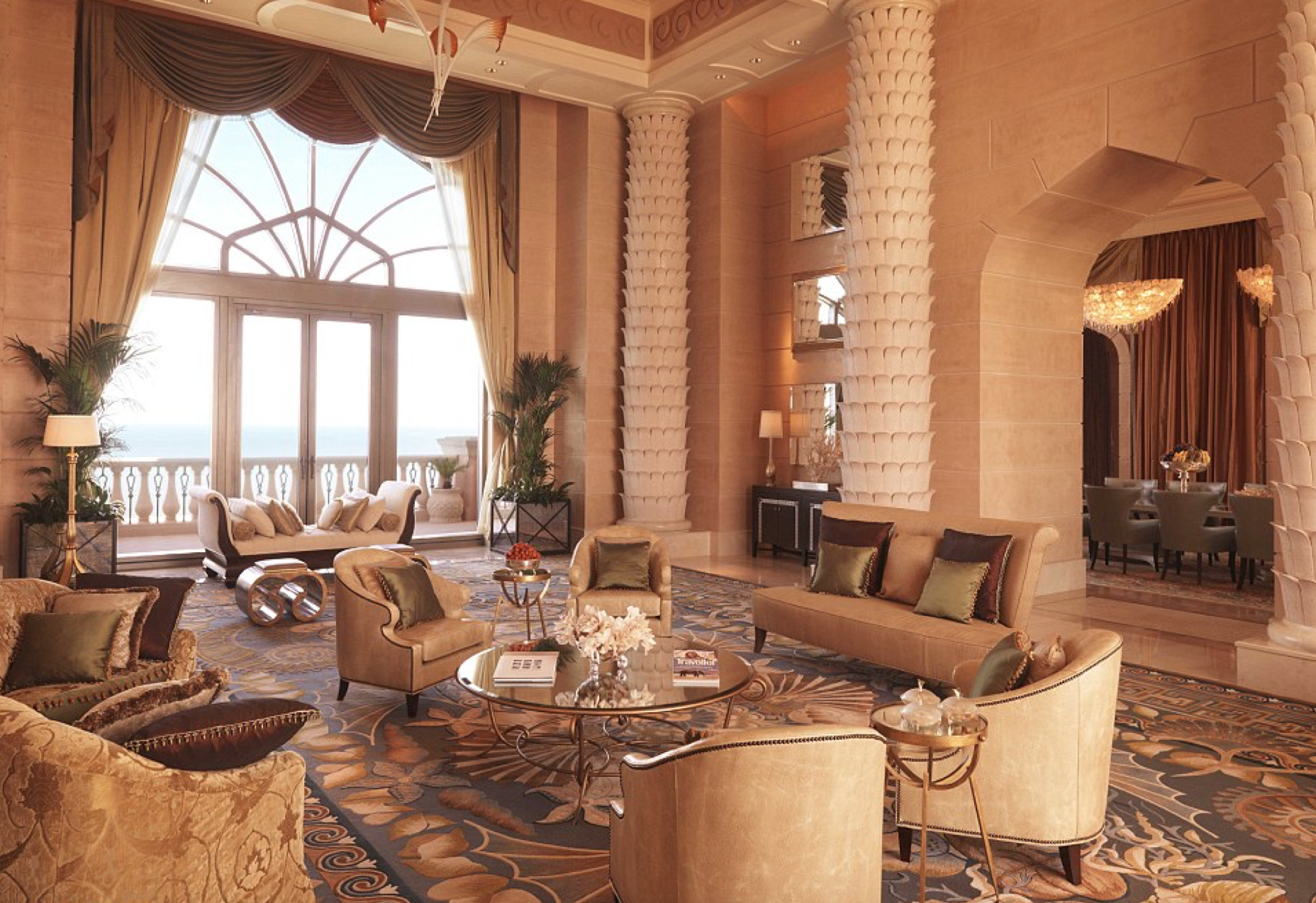 Tour Kim Kardashian S 30 000 Royal Bridge Suite At The Palm Dubai