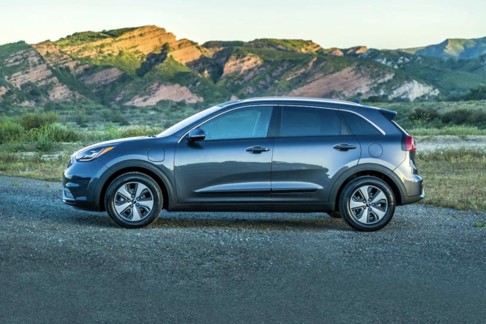 Car Industry Latest News Updates Autodeals Pk In 2020 Fuel Economy Kia Hatchback