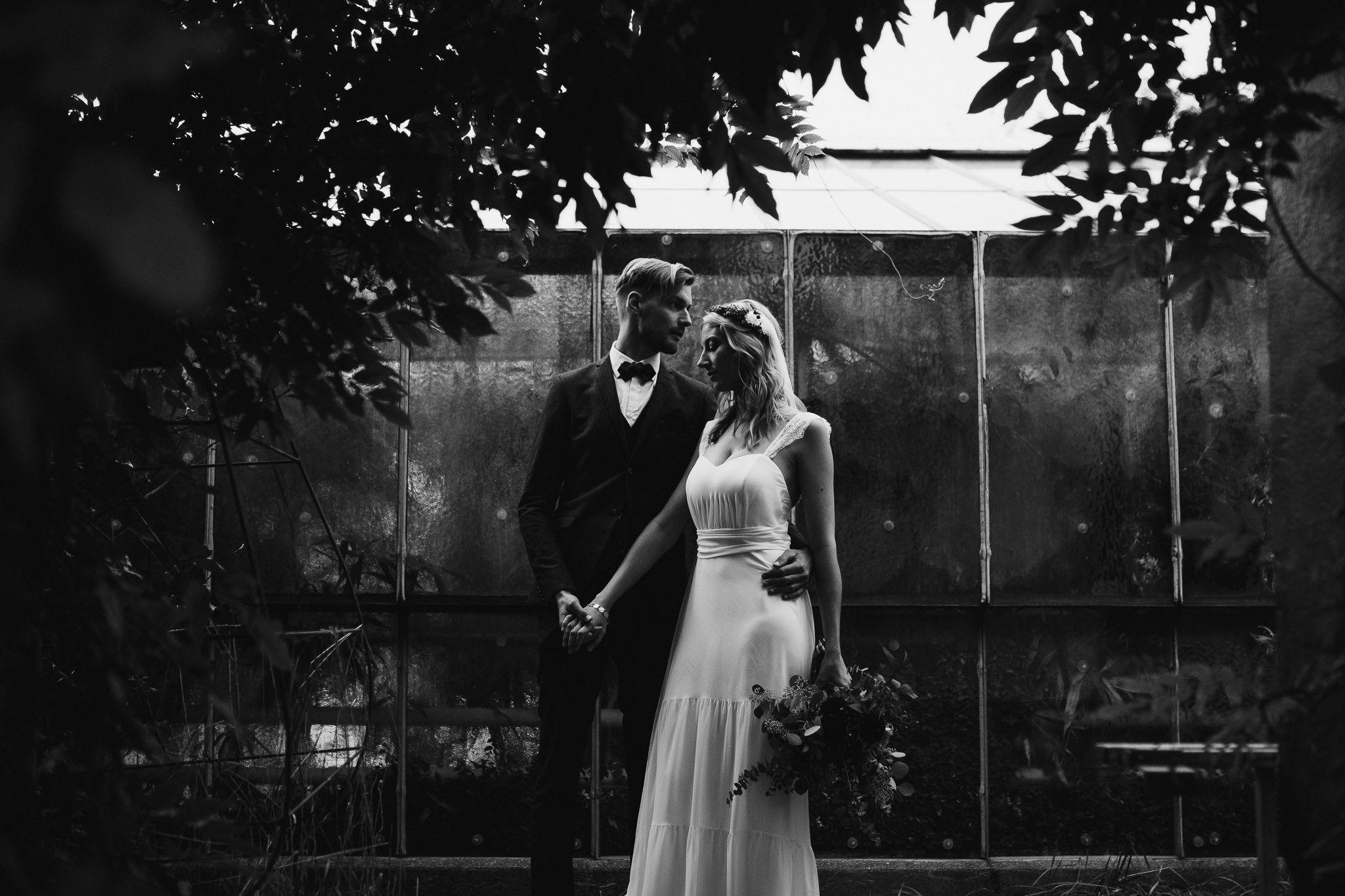 Hochzeit Paarshooting Black White