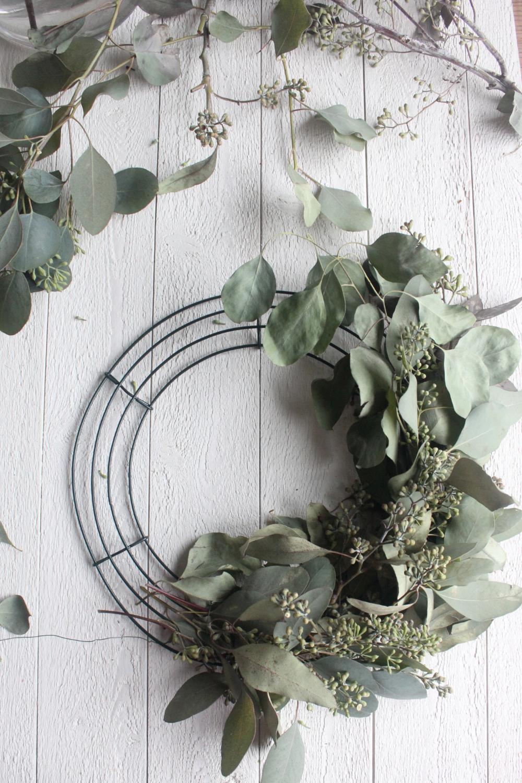 Photo of Fresh DIY eucalyptus wreath