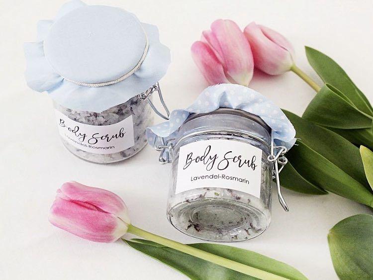 DIY-Anleitung: Körperpeeling mit Lavendel und Rosmarin selber machen via DaWanda.com