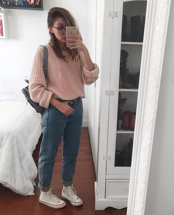 20 Easy Style Tips On How To Wear Mom Jeans From Instagram