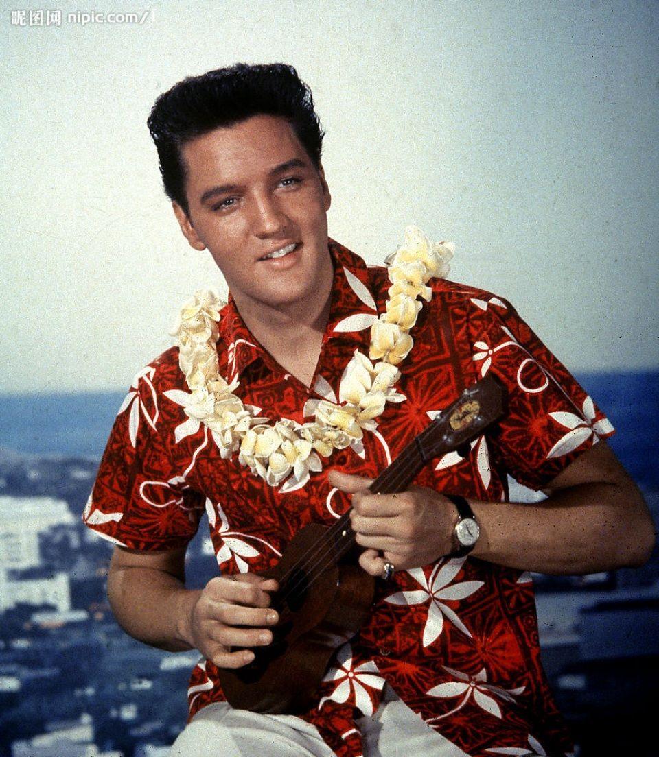 Elvis Aron Presley     http://s1c2.walanwalan.com/pic/photo/sc/55f9/ec23/14ab/9a3b.jpg/showah.jpg