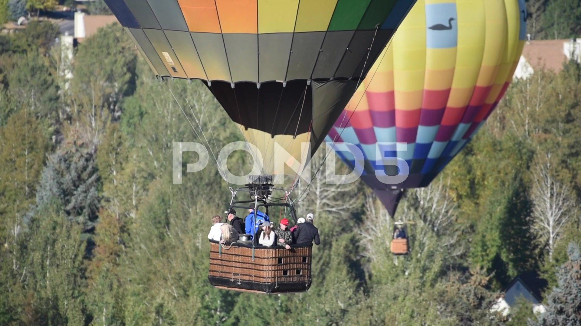 People enjoying a hot air balloon ride Aloft Balloon