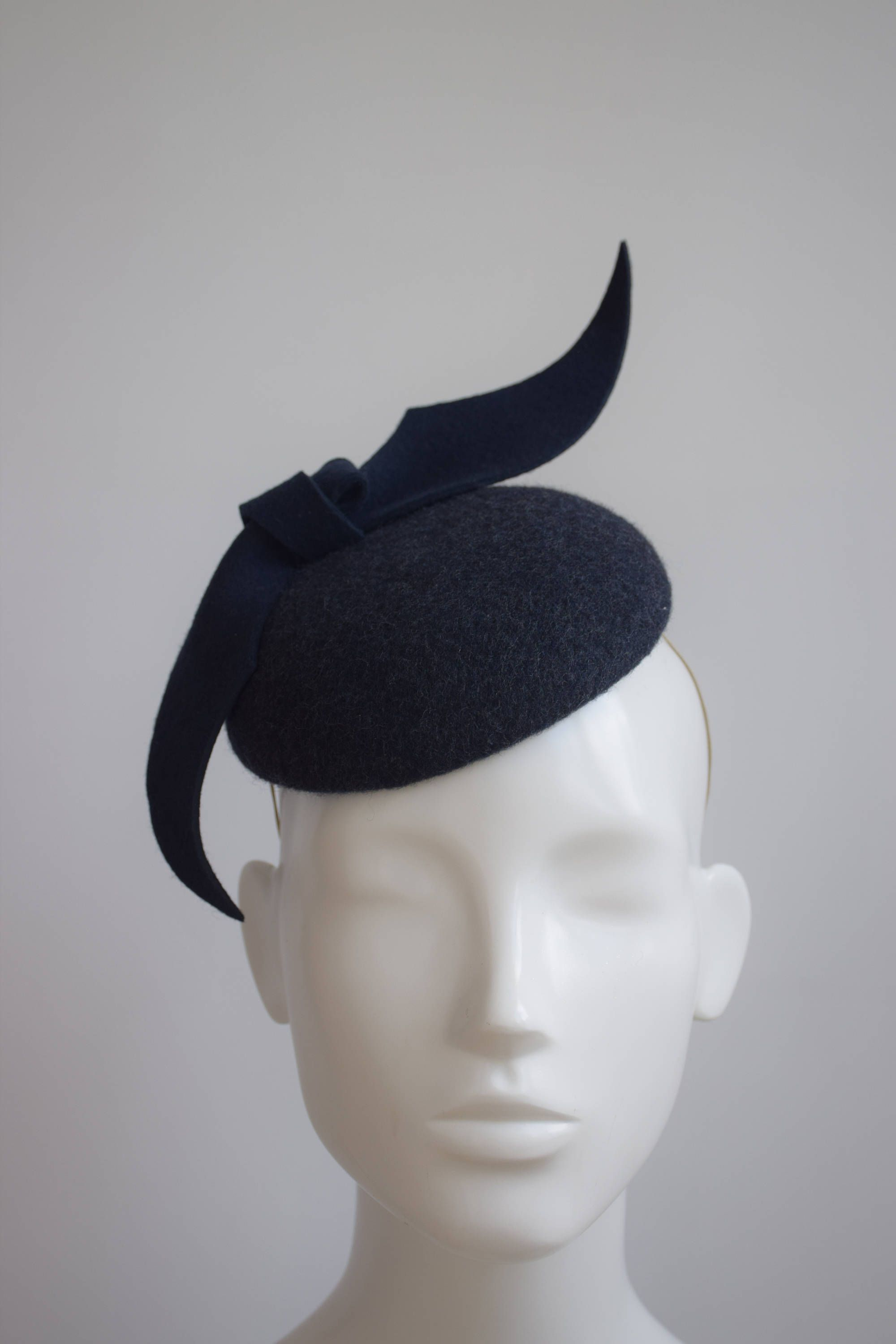Navy Wool Felt Pillbox Hat - Navy Winter Wedding Fascinator - Winter Ladies  Day Racing Style Hat - Ascot Hat - Navy Felt Cocktail Hat - by ... d022f30d2d3