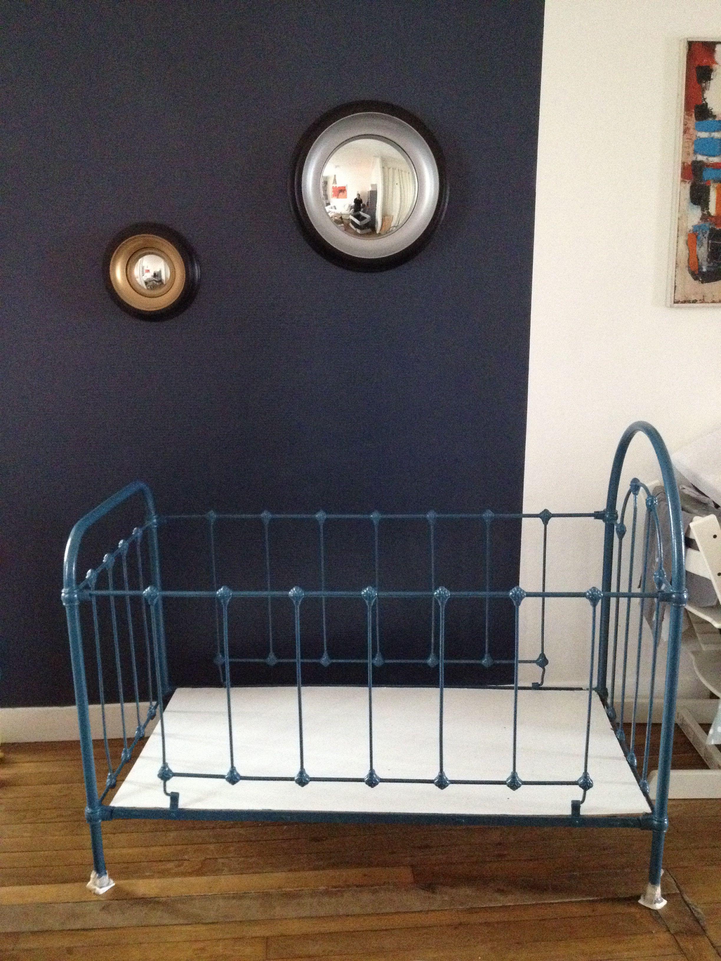 lit b b ancien en fer forg relook equipements lit. Black Bedroom Furniture Sets. Home Design Ideas