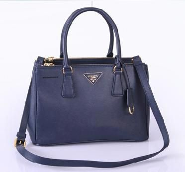 1470ada4fc0e Navy Classic Prada...omg totally a WANT!  Pradahandbags