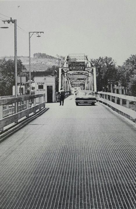 Louisa - Fort Gay bridge
