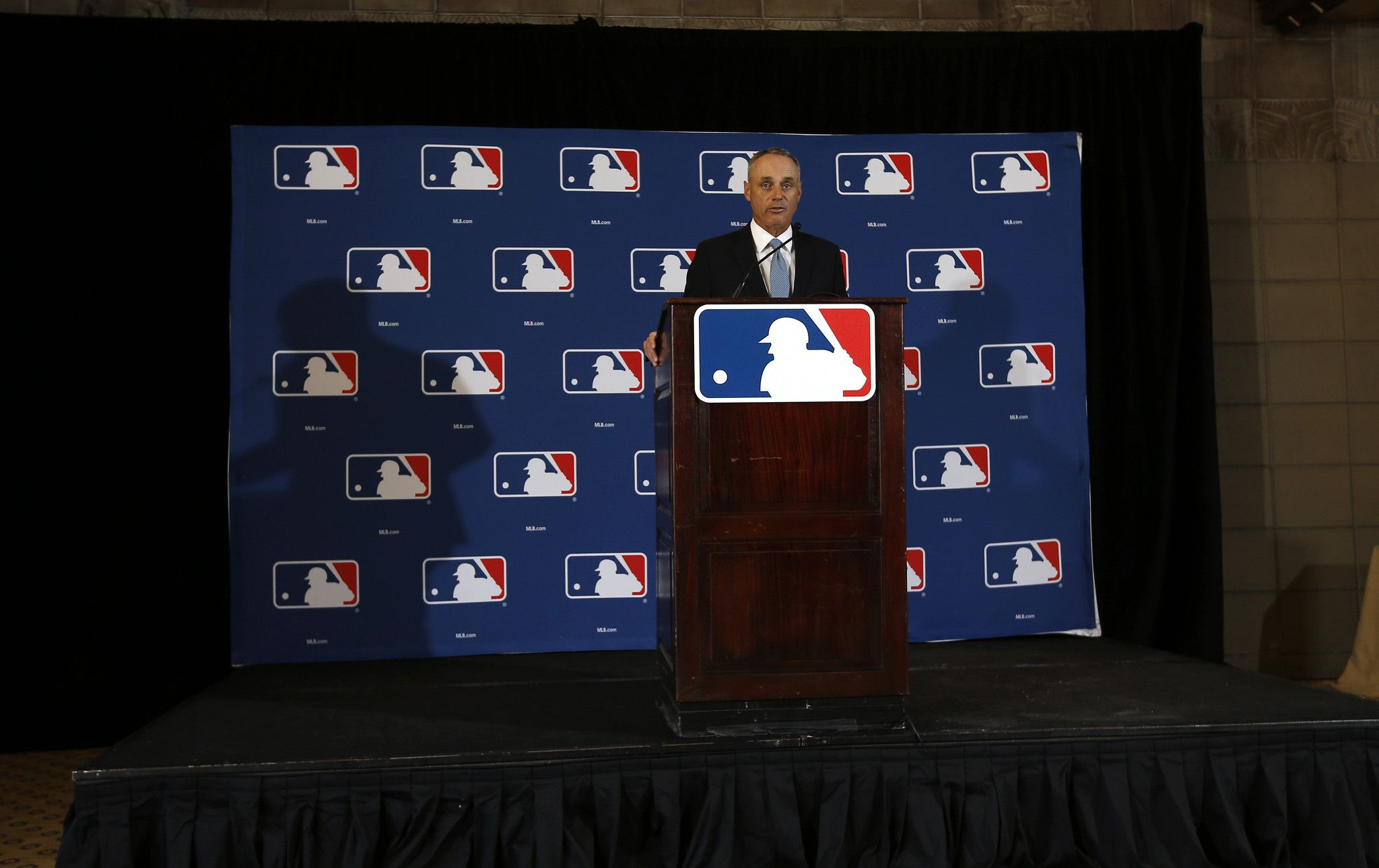 Mlb Expansion To 32 Teams Inevitable Commissioner Says The Expanse Mlb Teams
