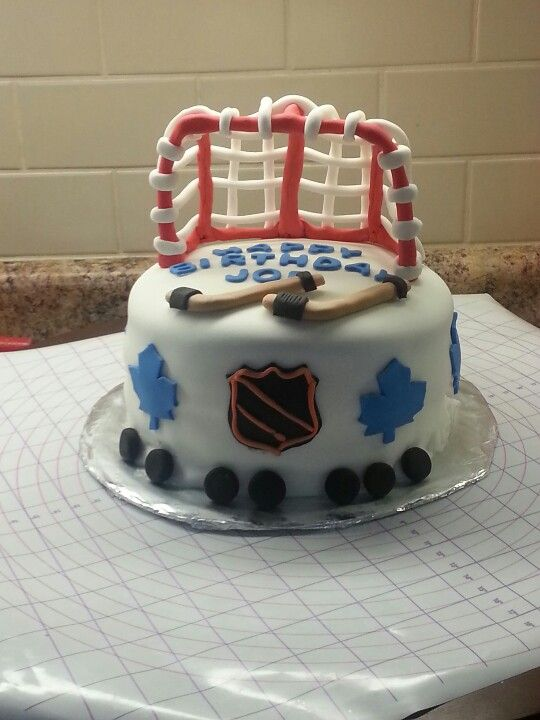 hockey cake Hockey cake ahockeymomreviews Hockey Cakes