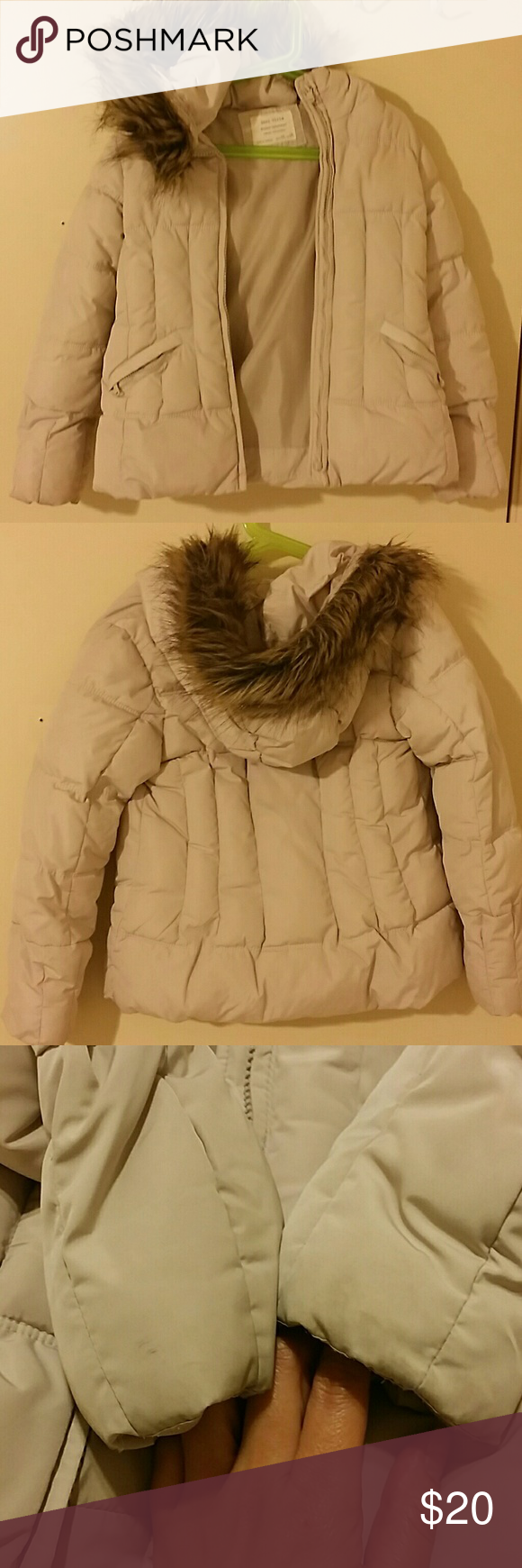 Too small Puff jacket for casual look, not too heavy, minor stains from the edges of both arms by the wrist, can be removed if clean it properly Zara Girls Jackets & Coats Puffers