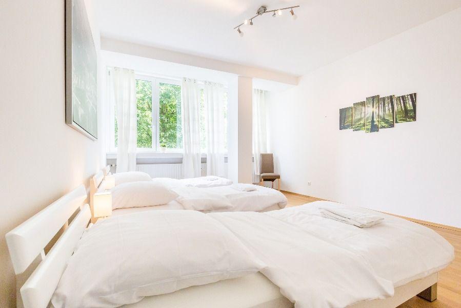 Ferienwohnung Langenfeld Dusseldorf Rheinland Travel Reisen Mit Bildern Wohnung Wohnen Ferienwohnung