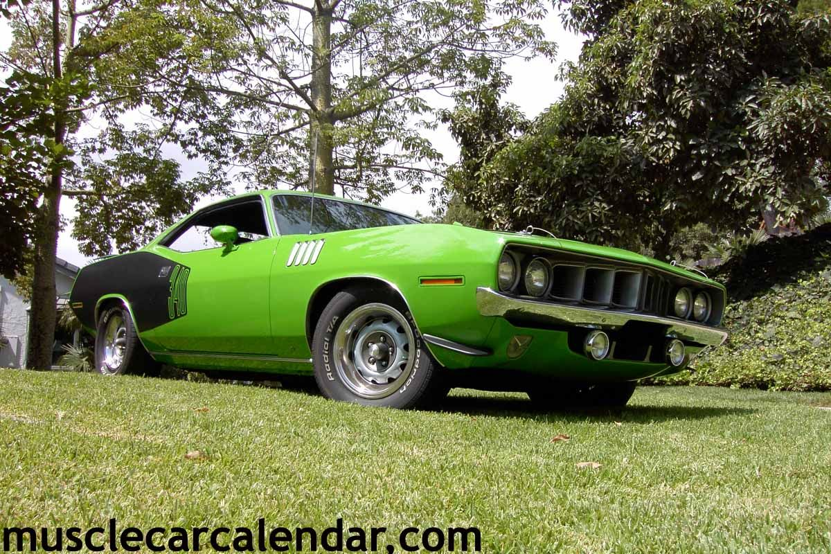 Digital Muscle Car Photos Of A 1971 Plymouth Cuda Fully Optioned E
