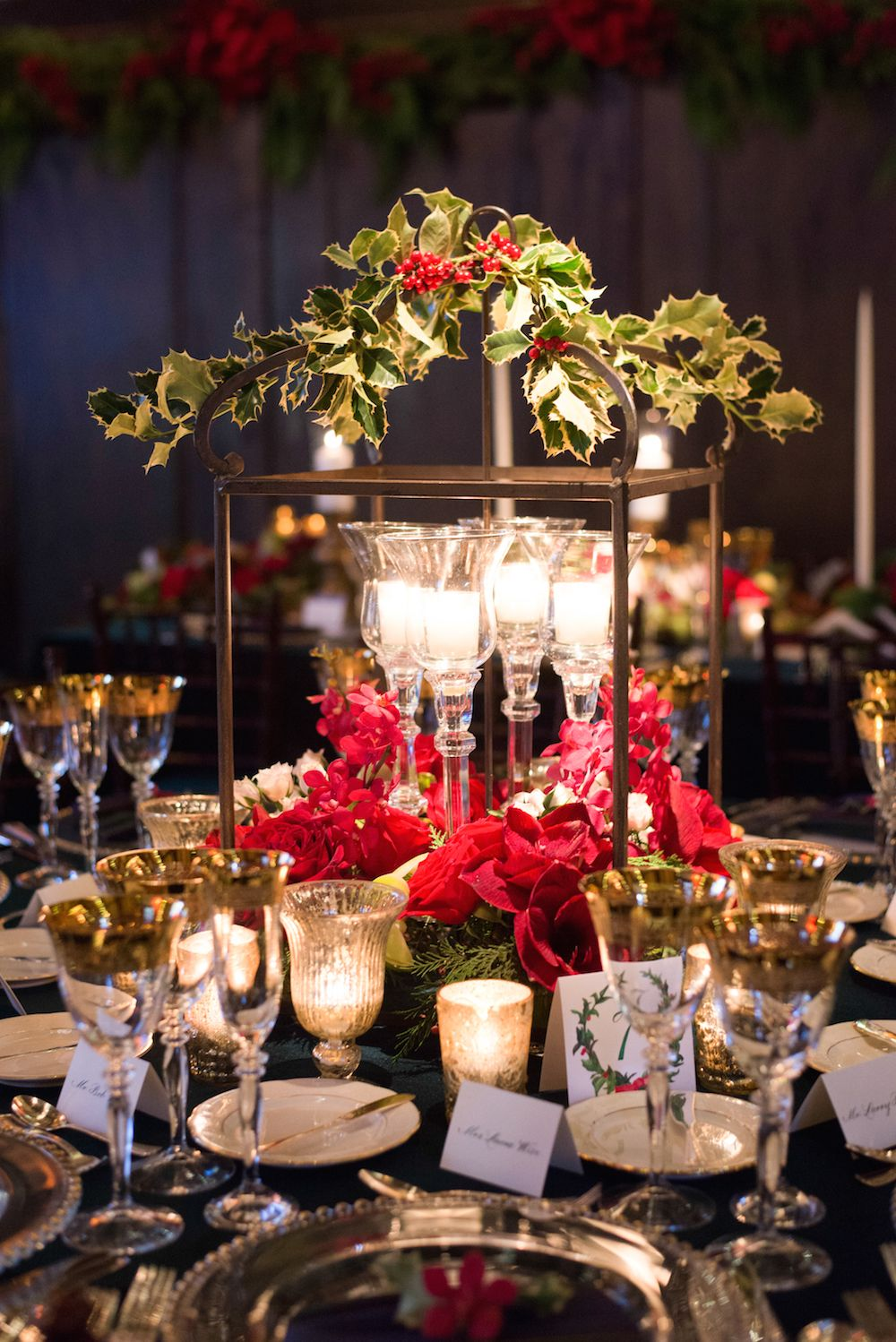 Christmas Theme Wedding With Festive Red Green Dcor In Illinois