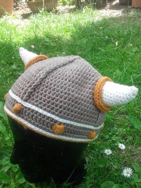 Lael Viking hat, mamachee, hat, crochet, Helm, Mütze, Hörner ...