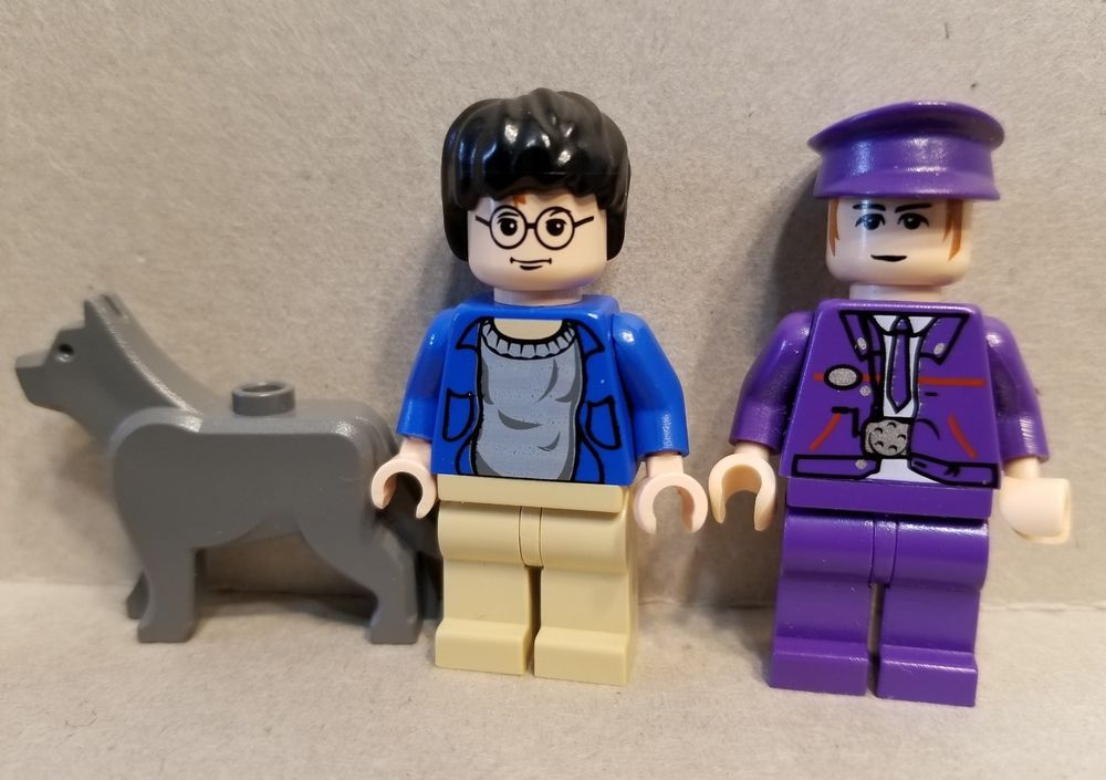 Lego Harry Potter Minifigures The Knight Bus Driver The Grim Dog 4755 Lego Lego Harry Potter Lego Harry Potter Minifigures Lego For Sale