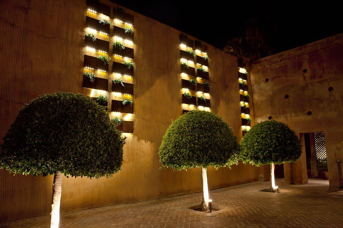 Cascadas vegetales de serastone en olivia valere placas for Decoracion de piedras para jardin