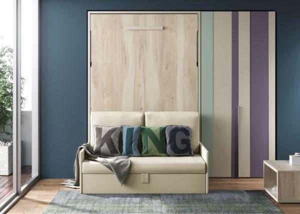 Cama abatible con sofá delante de matrimonio y armario en ...