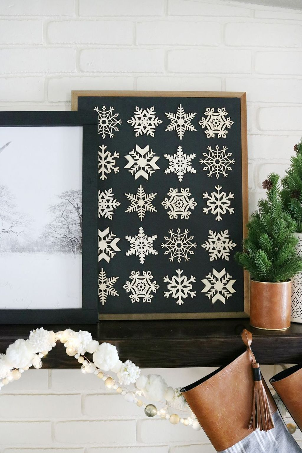 2020 Traditional Home Christmas Black And White Decorations Inspiring Christmas Wall Decor That You Want To Copy This Winter