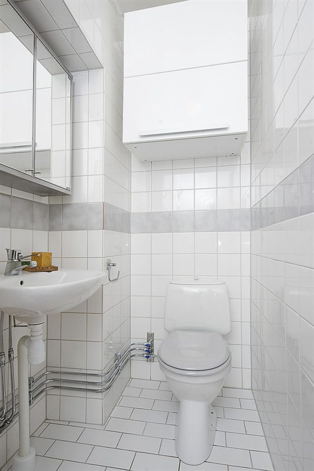 Small Bathroom Decorating Ideas White Small Bathroom Design One Of 6 Total Snapshots Space