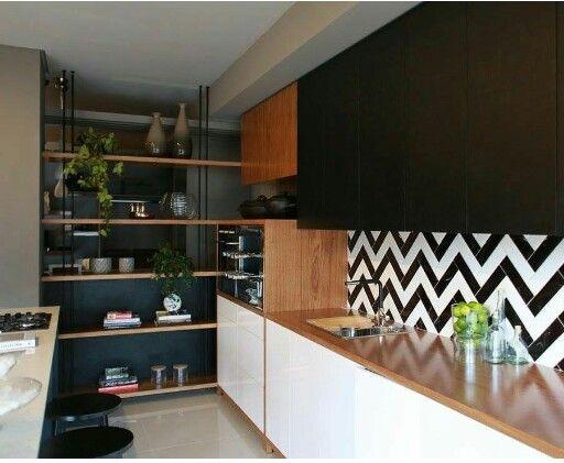 Saia Do Obvio Liverpool Black E White Cozinhas Modernas Cozinhas Pisos