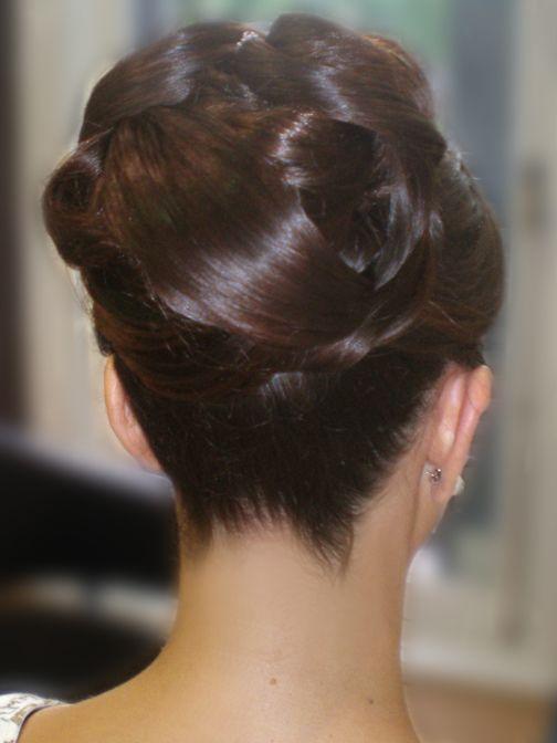 Galeria De Fotos De Recogidos Altos Para Novias Del Centro De Belleza Peinarte Peinado De Novia Recogidos Recogidos Altos Alto Peinado