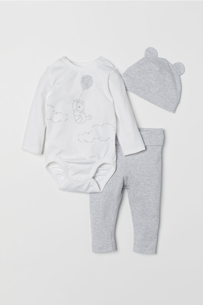 Long Sleeved Bodysuit /& Grey Dungarees Set for Babies Winnie The Pooh Disney White