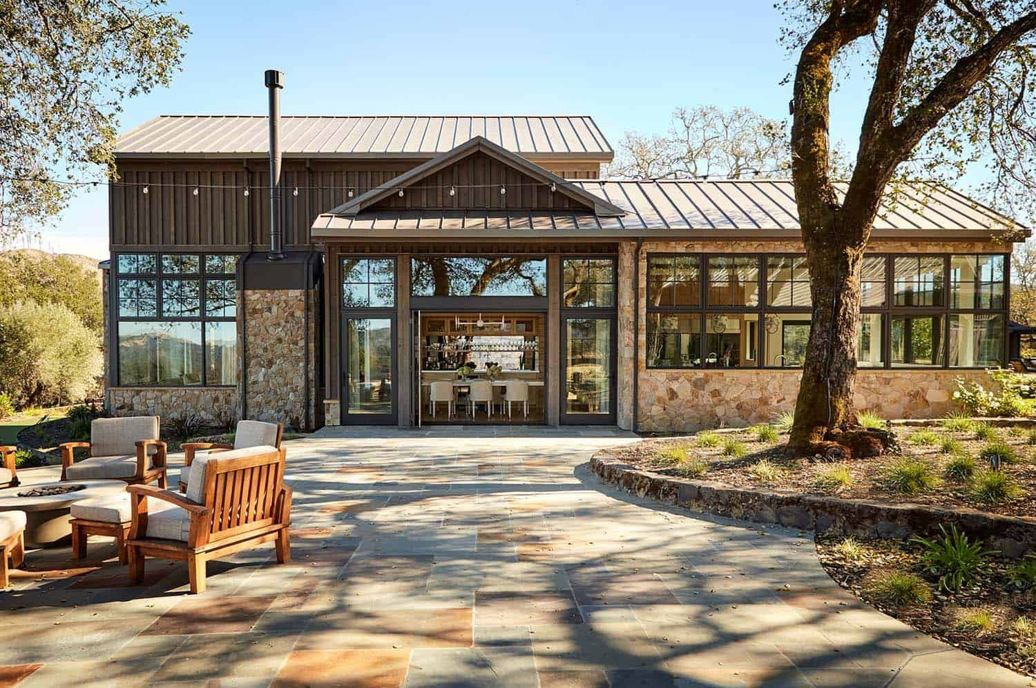 Tour this dreamy mountain home ranch in California's Napa Valley