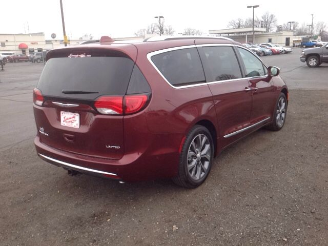 New 2017 Chrysler Pacifica Limited Van Elkhart A Comfortable Ride
