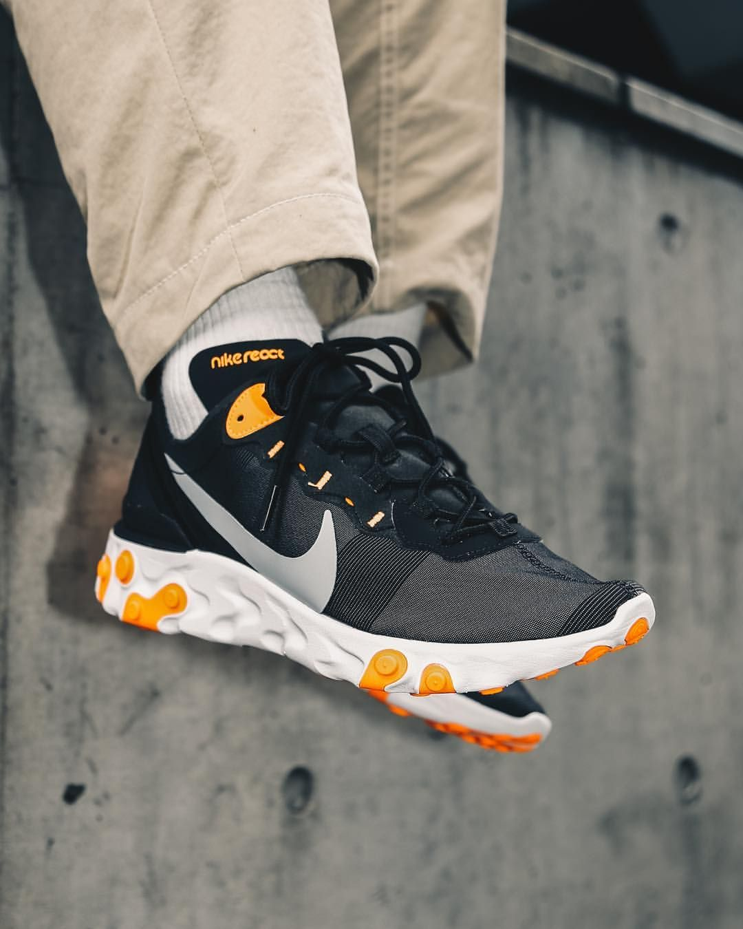 new product 63d98 a8bc8 Nike React Element 55