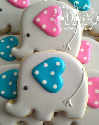 Dolce: Elephants for a gender reveal party. | Decorated ...