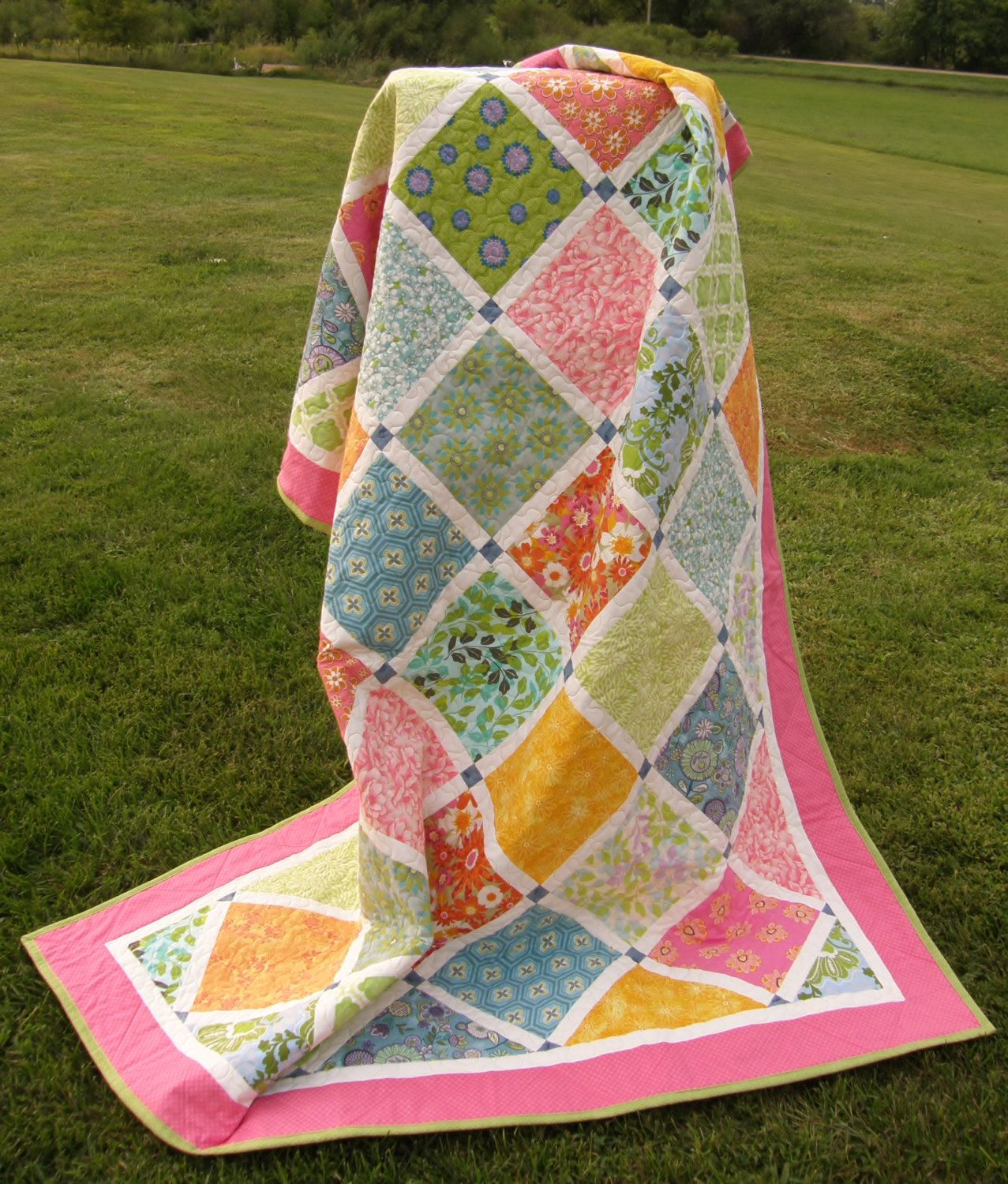 "FREE SHIPPING**Lattice Lap Size Quilt. Floral Print. Handmade Quilt, 67"" x 56"". by TeresasSewingCorner on Etsy"