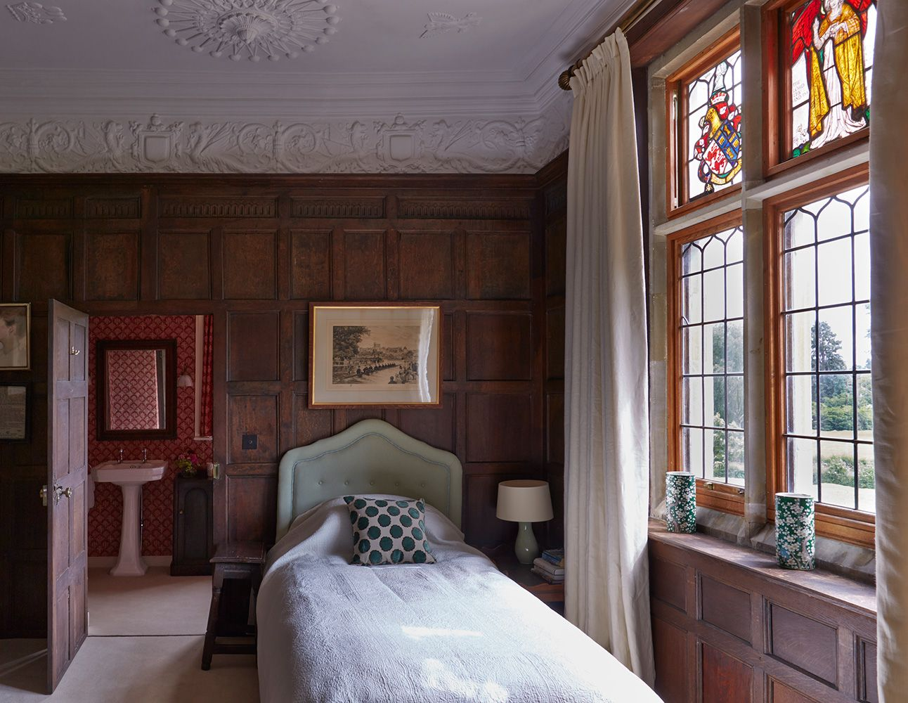 Principal bedroom in an historic home with an interior inspired by - Interior Design Country Houses Madresfield Court Todhunter Earletodhunter Earle