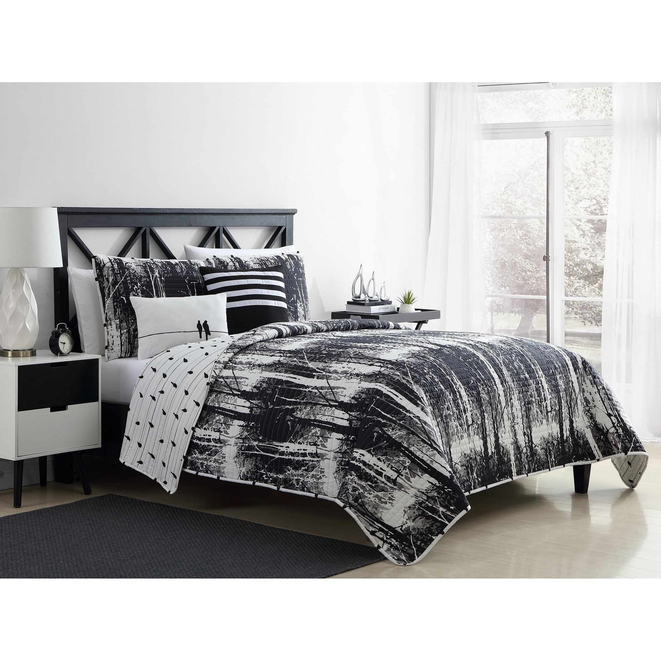 Vcny Home Woodland Reversible Quilt Set King 5 Piece Black Duvet Cover Sets White Duvet Covers White Duvet