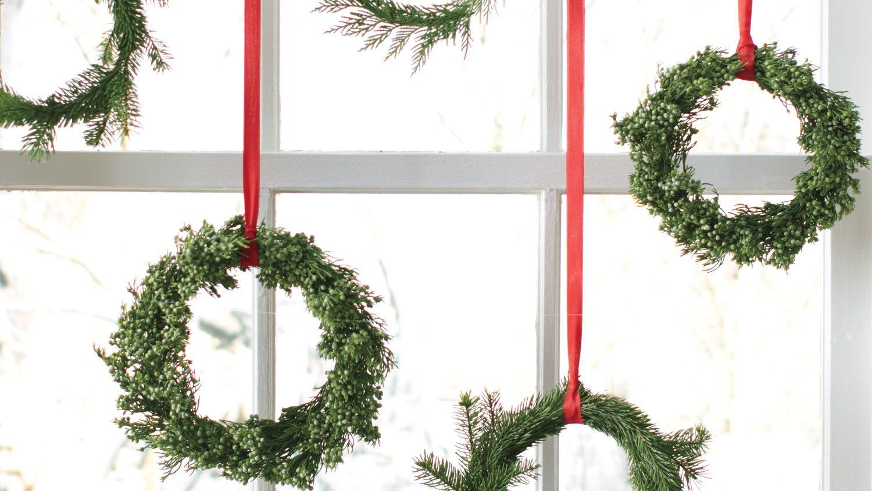 Easy Christmas Wreaths   Pinterest   Evergreen, Christmas tree and ...