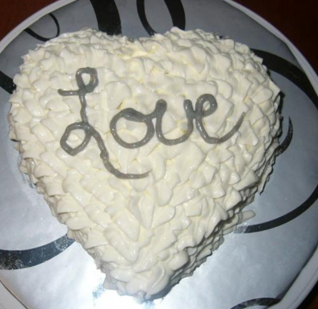White Valentine Cake With Big Love Word In SilverPNG Valentine - Words on cake for birthday