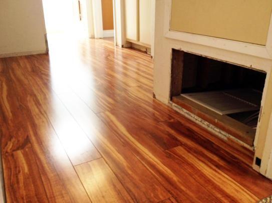 Pergo Xp Hawaiian Curly Koa 10 Mm T X 4 87 In W X 47 87 In L Laminate Flooring 13 1 Sq Ft Case Lf000340 The Home Depot Laminate Flooring Flooring Hardwood Floors