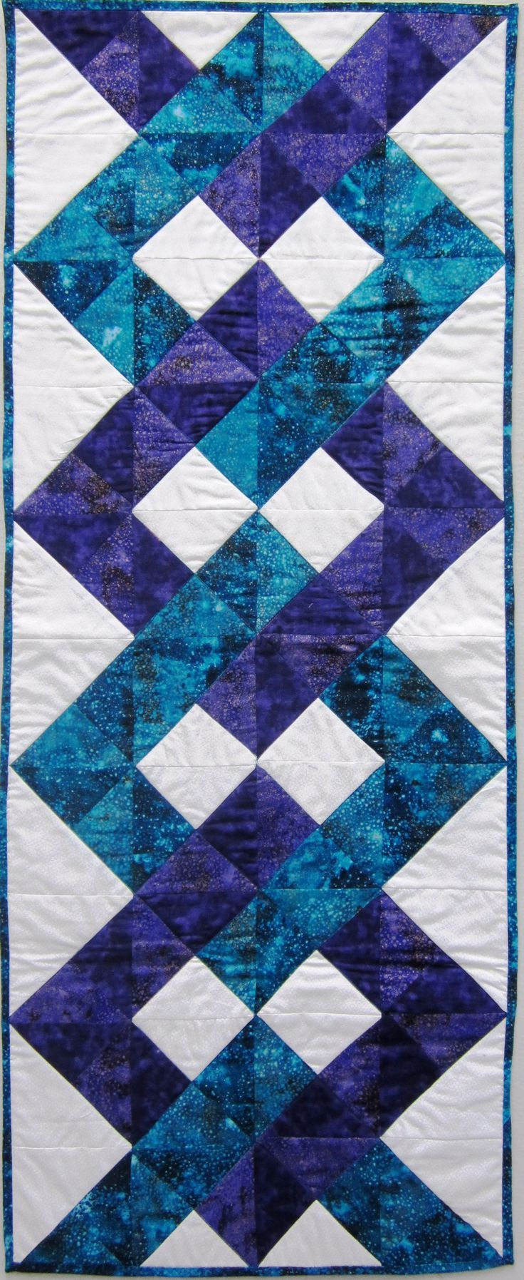 17 diy quilted table runner ideas for all year round for Kitchen quilting ideas