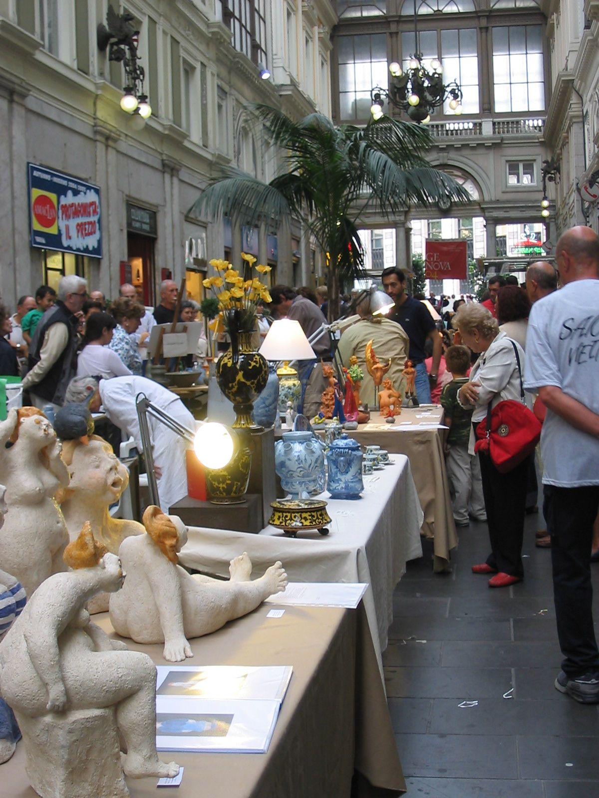 Ceramisti in Galleria Mazzini a Genova