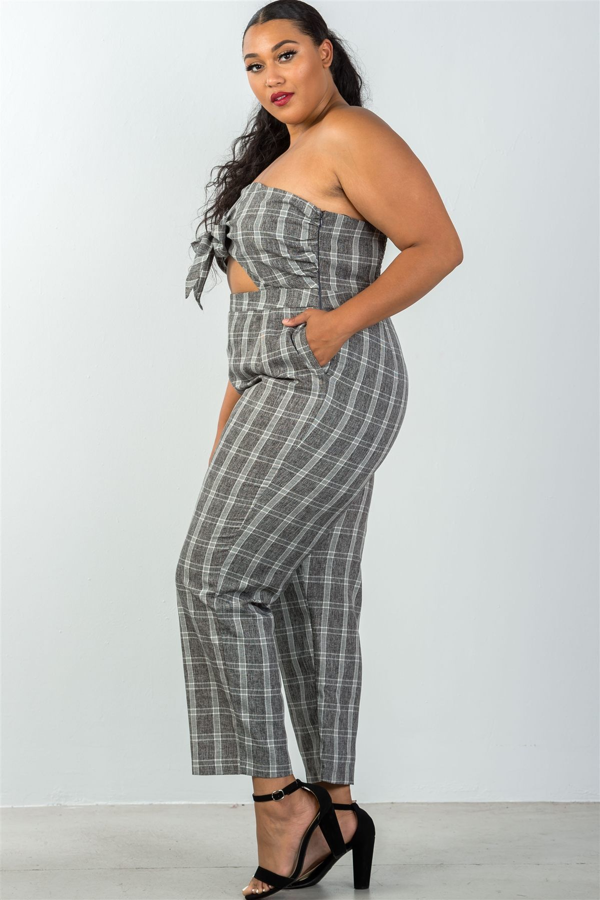 9bb518f9525 GREY SCOTTISH JUMPSUIT  Outfit  Summer  SummerJumpsuit  fashion  UAE   Middleeast