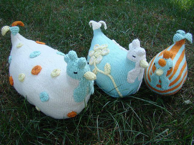 Knit Chickens pattern by Susan B. Anderson   Chicken crafts, Crochet ...