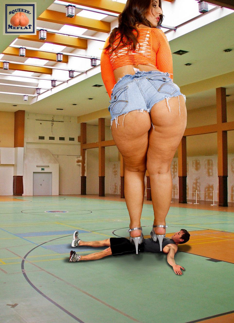 Giantess ass domination